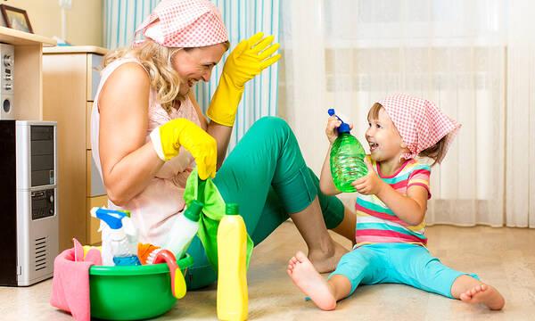 Πώς θα κάνει μια μαμά το σπίτι της να μυρίζει φρεσκάδα και καθαριότητα