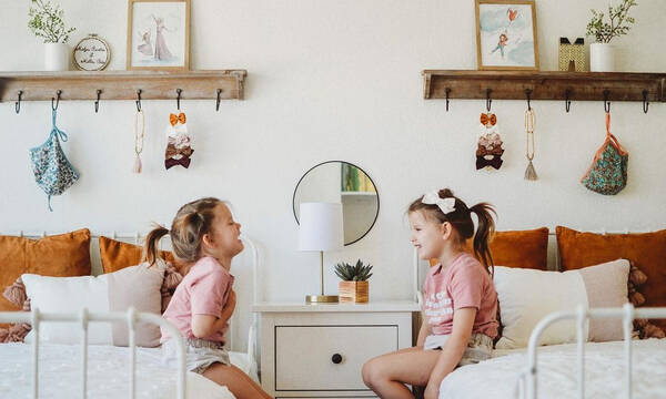 Παιδικό δωμάτιο για δίδυμα κορίτσια - Πάρτε ιδέες να το διακοσμήσετε