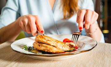 Προσέχετε τη διατροφή σας; Δοκιμάστε αυτές τις επτά συνταγές με κοτόπουλο