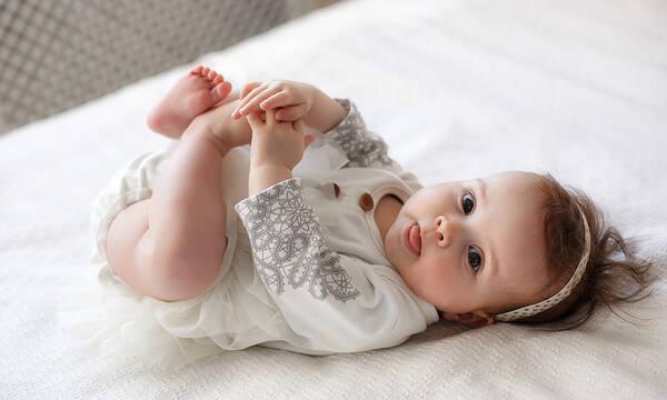 Πότε σχηματίζονται τα γόνατα του μωρού;