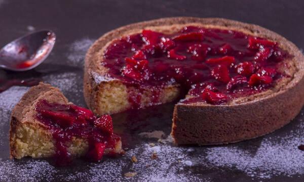 Ανοιξιάτικο κέικ με λεμόνι και φράουλες - Ιδιαίτερο και πολύ νόστιμο