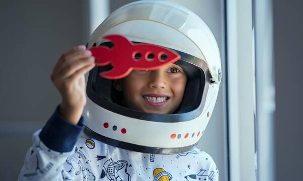 Τρεις κατασκευές για παιδιά που λατρεύουν το διάστημα (vids)