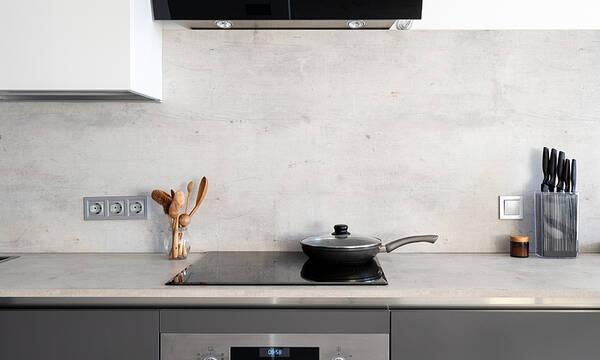 Έχετε κουζίνα με κεραμική εστία; Έτσι πρέπει να την καθαρίζετε