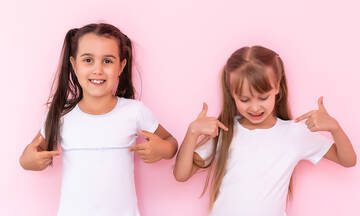 Tips για μαμάδες: 4 τρόποι να εξαφανίσετε τις κιτρινίλες από τα λευκά ρούχα