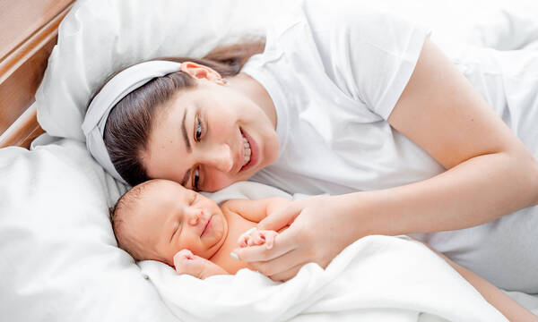 Νέα μαμά: Τέσσερα πράγματα που μπορείς να κάνεις όταν το μωρό κοιμάται