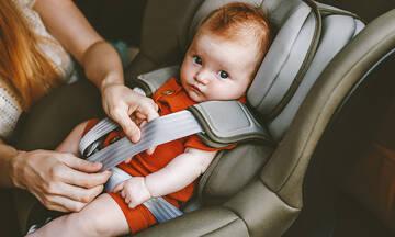 Πέντε πράγματα που πρέπει να έχουν οι γονείς με μικρά παιδιά στο αυτοκίνητο
