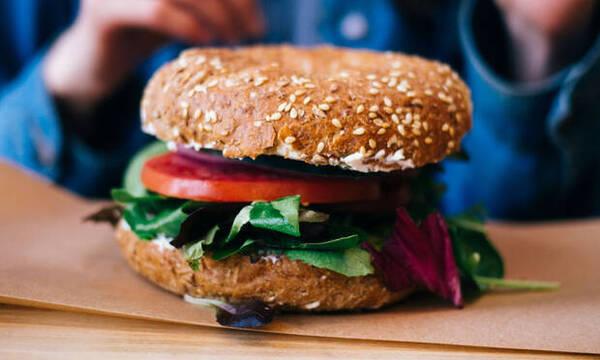 Τα vegan burgers που θα απογειώσουν τα γεύματά σου