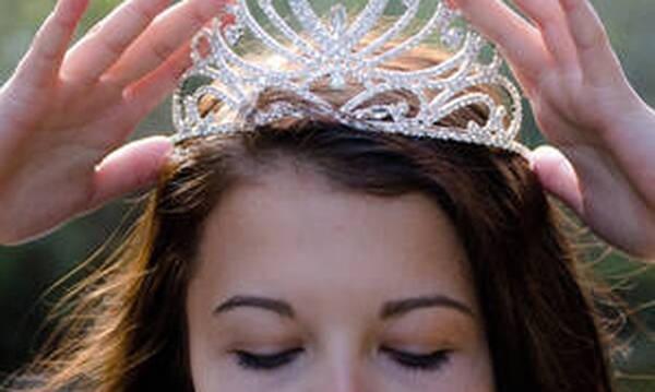 Κορώνα: «Η βασίλισσα και ο καταραμένος ιός» - Ένα παραμύθι αλλιώτικο από τα άλλα!
