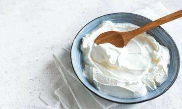 Tips για μαμαδες: Τέσσερις χρήσεις του γιαουρτιού που θα σας εκπλήξουν