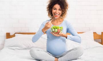 Το φυλλικό (ή φολικό) οξύ και τα οφέλη του στην εγκυμοσύνη