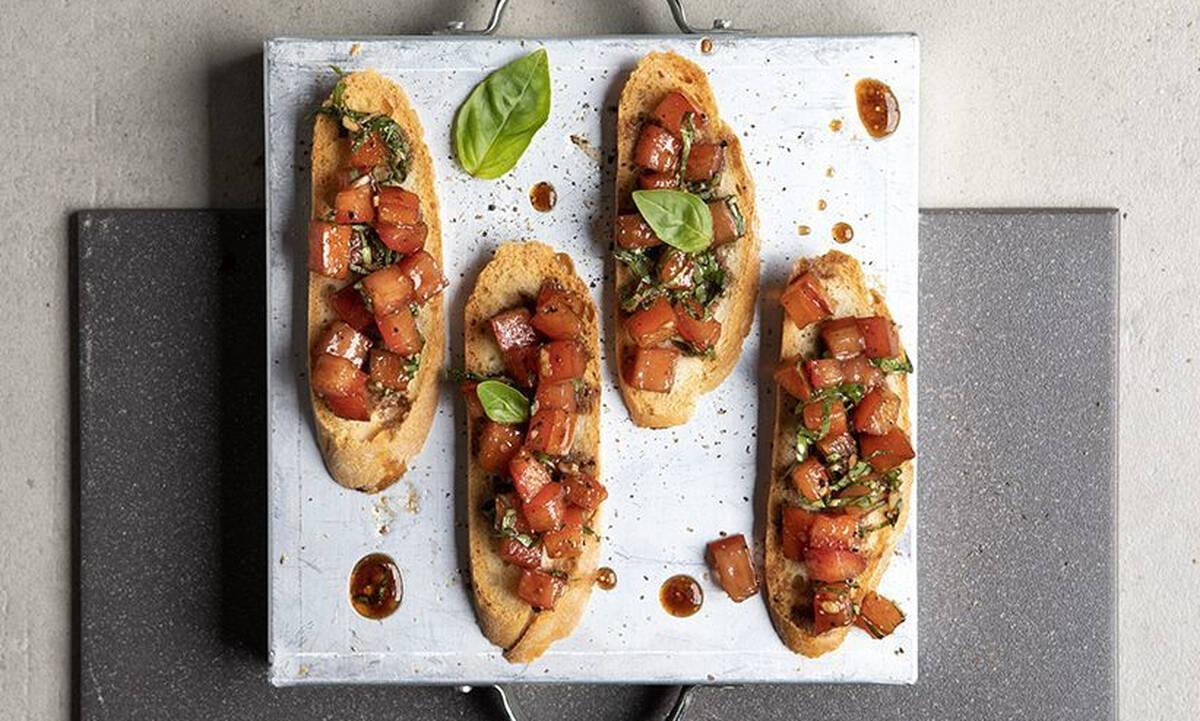 Μπρουσκέτες με ντομάτα - Το πιο εύκολο σνακ για μεγάλους και παιδιά