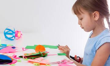 Τέσσερις καλοκαιρινές κατασκευές για μικρά παιδιά (vid)
