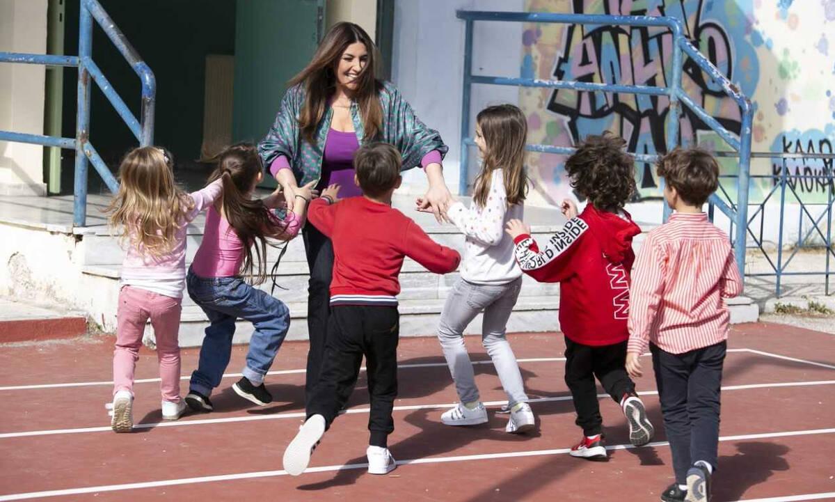 Dettol και Έλενα Παπαρίζου εκπαιδεύουν τα παιδιά μέσα από τη μουσική!