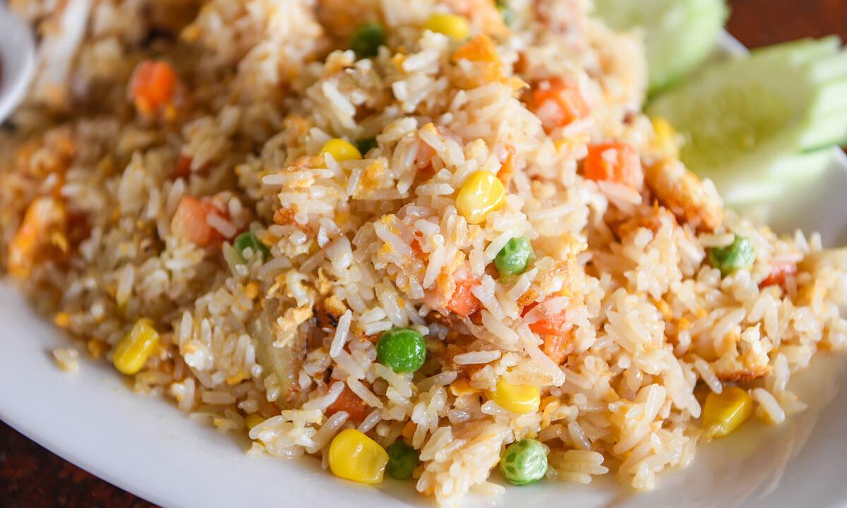Ρύζι με λαχανικά: Τρεις συνταγές για εύκολο και υγιεινό φαγητό σε χρόνο dt