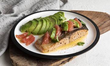 Σολομός με αβοκάντο και γκρέιπφρουτ - Γρήγορο και υγιεινό φαγητό