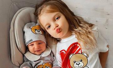 Αυτά τα δύο αδερφάκια είναι fashion icons από... κούνια (pics)