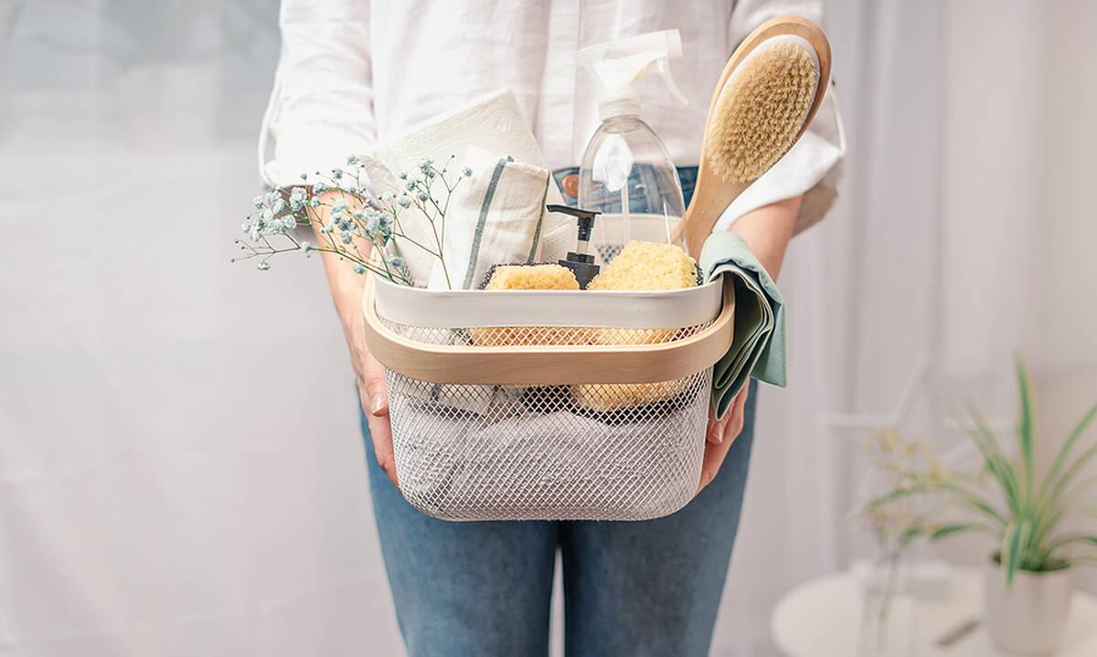 Tips για μαμάδες: Πώς θα αφαιρέσετε τη μούχλα από τον τοίχο και τα ρούχα