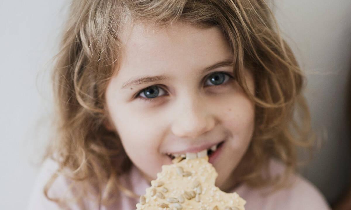 Ταχίνι: Γιατί πρέπει να τρώει το παιδί καθημερινά