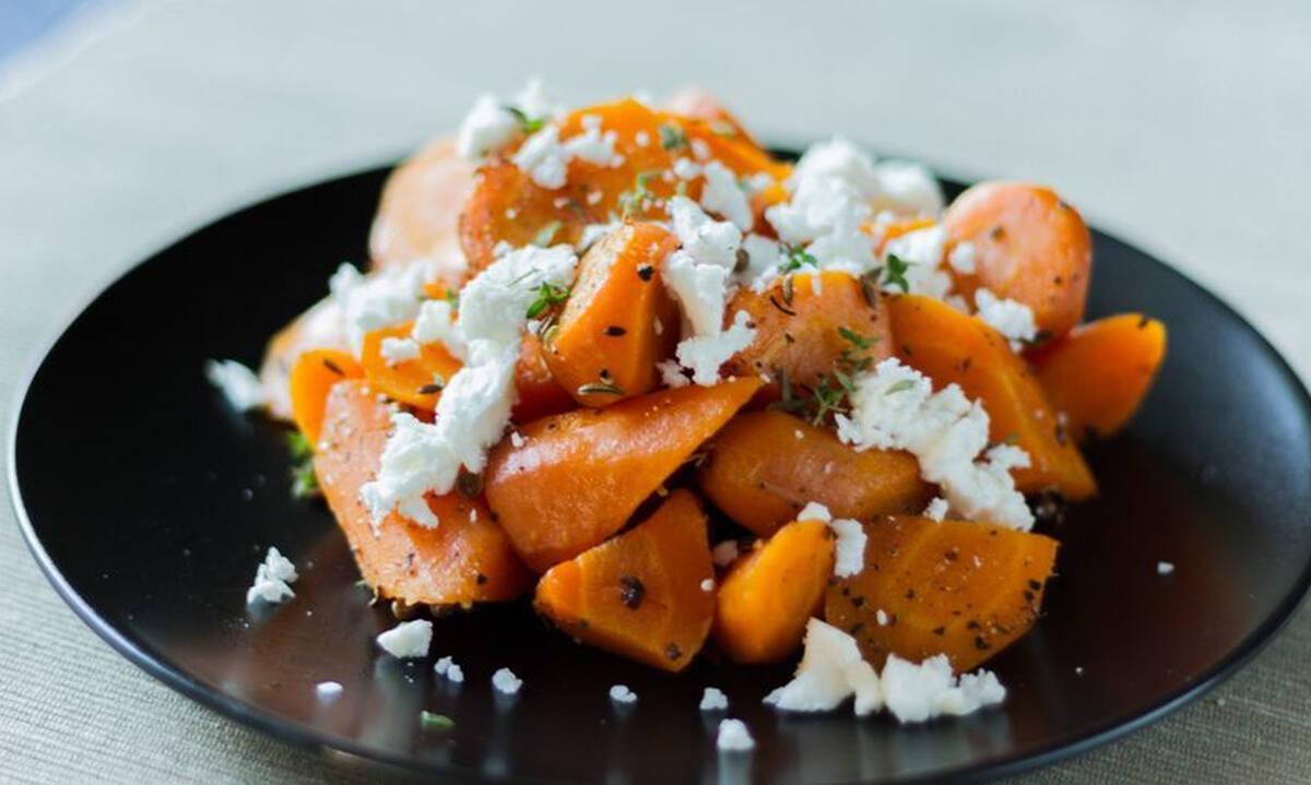 Σαλάτα με καρότο και φέτα - Θρεπτική και με λίγες θερμίδες