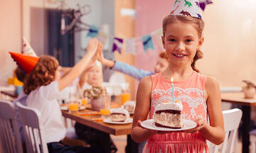 Οι πιο εντυπωσιακές τούρτες γενεθλίων για κορίτσια με ζαχαρόπαστα (εικόνες)