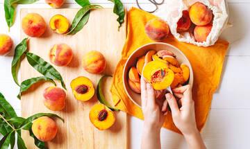 Μαμά και διατροφή: Ποια καλοκαιρινά φρούτα έχουν τις λιγότερες θερμίδες