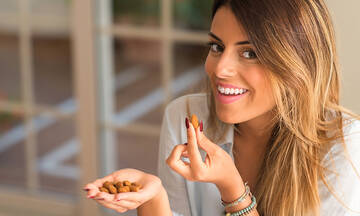 Μαμά και διατροφή: Δέκα υγιεινά σνακ με λιγότερες από 100 θερμίδες