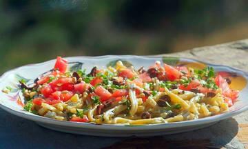 Σκιουφιχτά με φέτα και ρίγανη - Καλοκαιρινό φαγητό έτοιμο σε 15 λεπτά