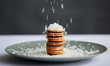 Τρεις συνταγές για υγιεινά μπισκότα βρώμης που θα θες όλη τη μέρα