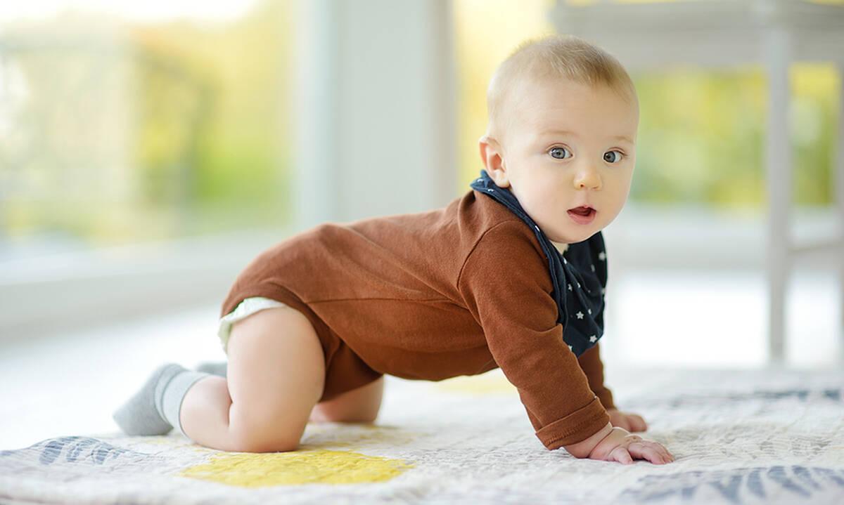 Τι να προσέξετε όταν το μωρό αρχίζει να μπουσουλάει