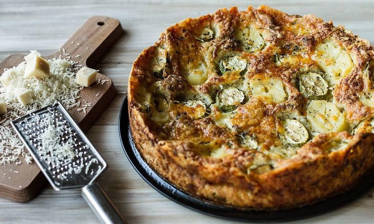 Ανοιχτή πίτα με πατάτα, κολοκυθάκι και τσένταρ