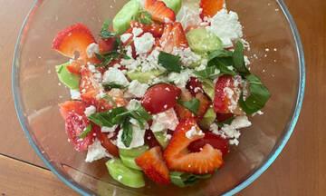 Η απόλυτη δροσερή καλοκαιρινή σαλάτα είναι αυτή εδώ (Γράφει η Majenco για το Queen.gr)