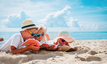 Πώς θα πείσετε το παιδί να διαβάσει εξωσχολικά βιβλία το καλοκαίρι