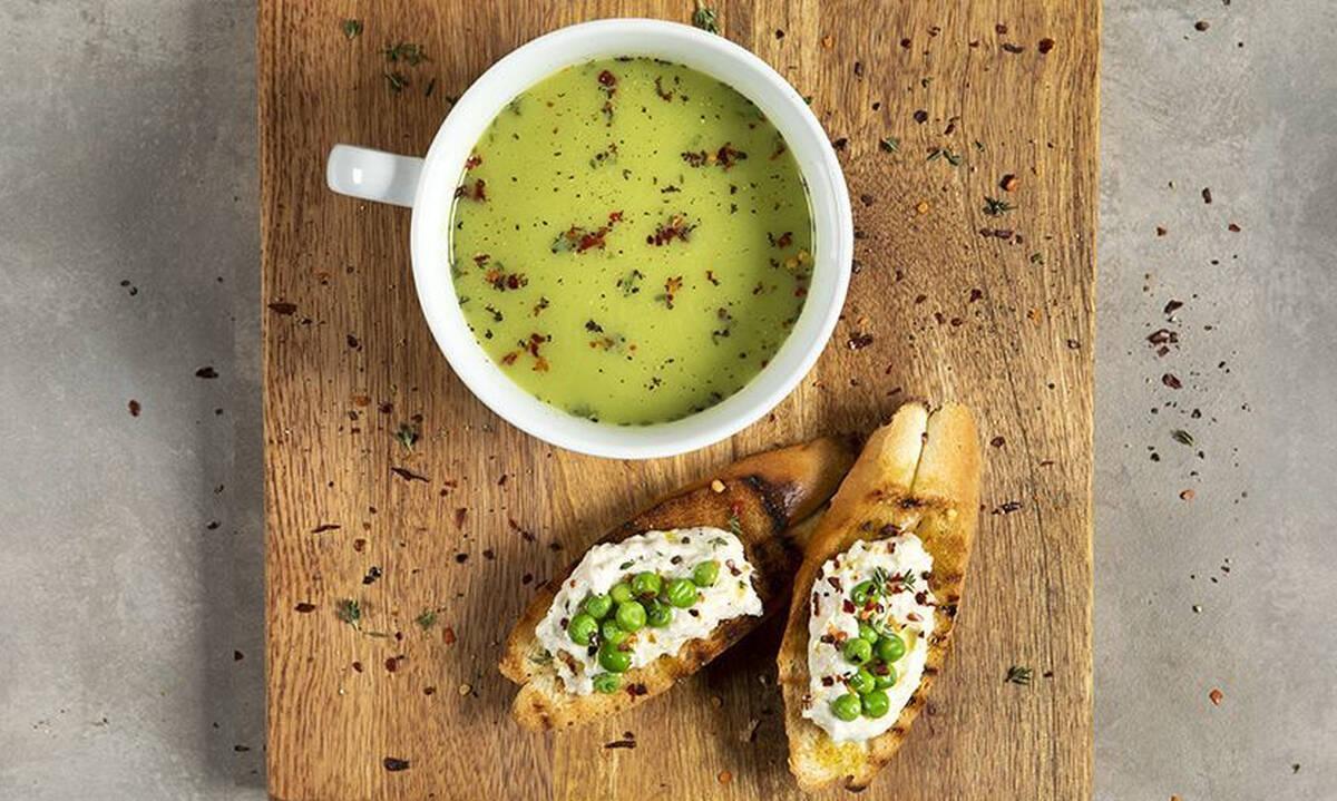 Κρύα σούπα με αρακά έτοιμη σε 15 λεπτά