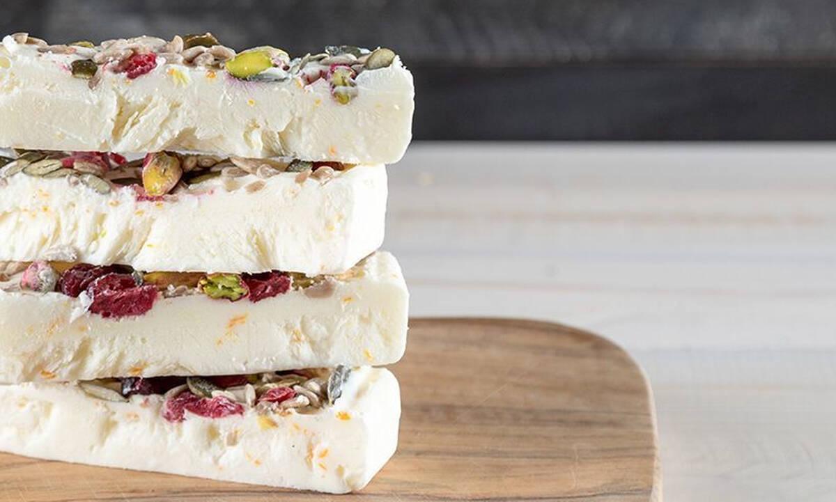 Μπάρες frozen yogurt με cranberries - Δροσιστικό σνακ με λίγες θερμίδες