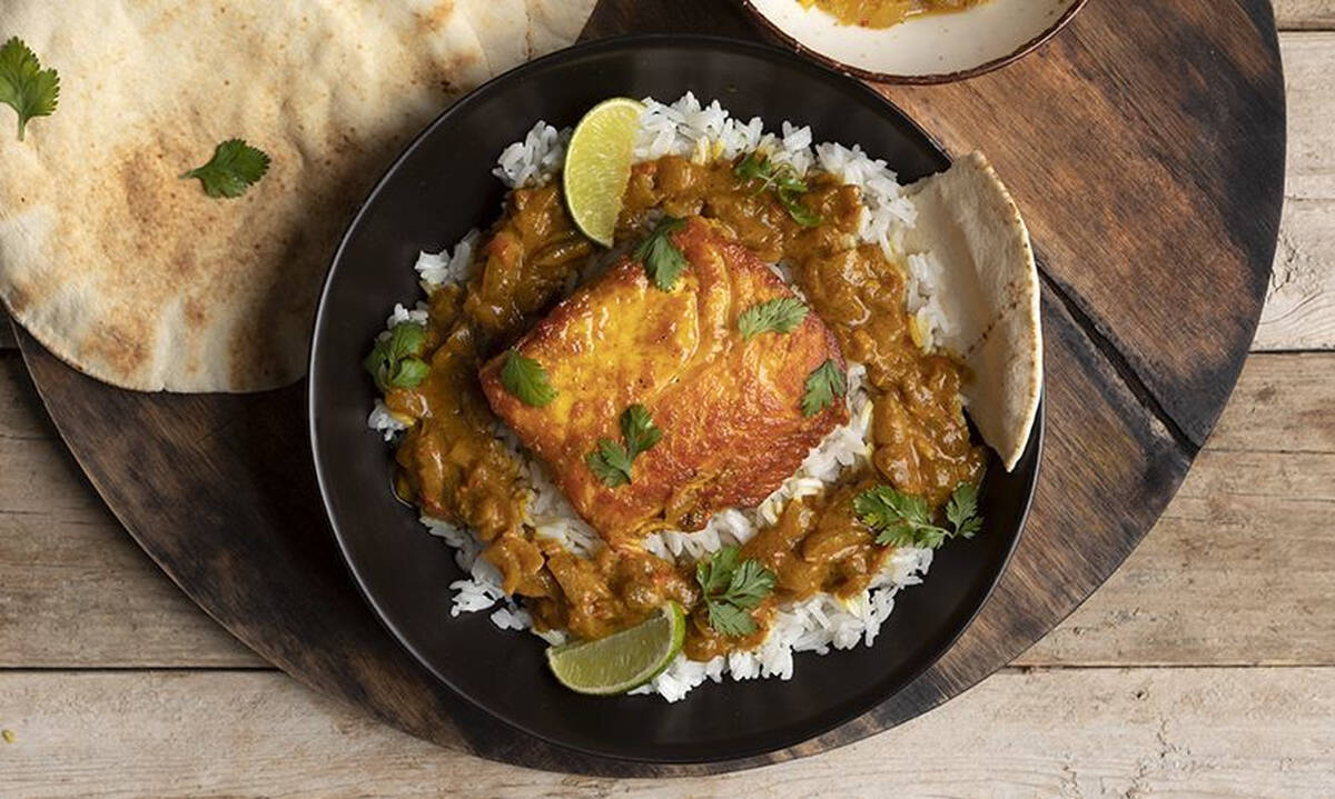 Σολομός με κάρι - Εύκολο φαγητό για τους λάτρεις των πικάντικων γεύσεων