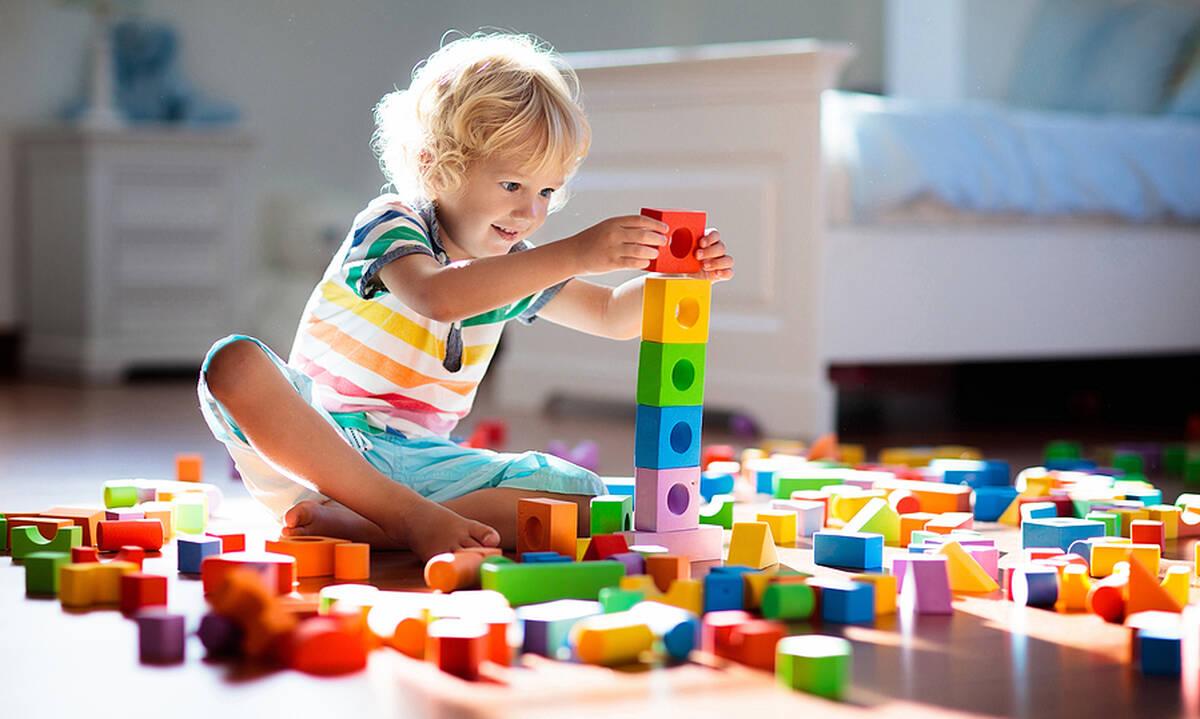 Τι παιχνίδια να πάρετε σε ένα δίχρονο