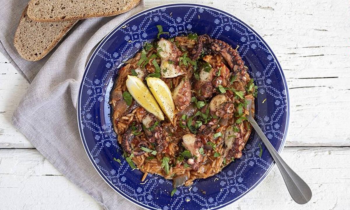 Γιουβέτσι με χταπόδι - Η καλοκαιρινή συνταγή που θα λατρέψετε