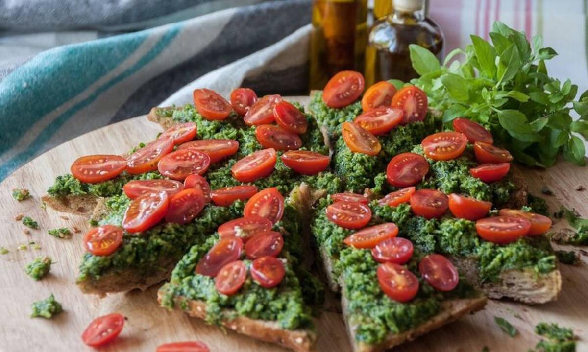 Πίτσα με πέστο και ντοματίνια - Υγιεινή και με υπέροχη γεύση