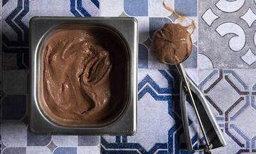 Gelato κακάο ρούμι - Ένα σοκολατένιο παγωτό που θα λατρέψετε