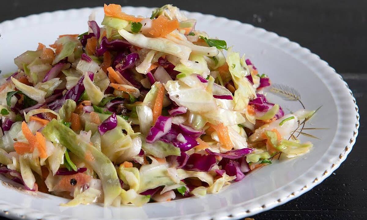 Η συνταγή του Άκη για την πιο νόστιμη πολίτικη σαλάτα