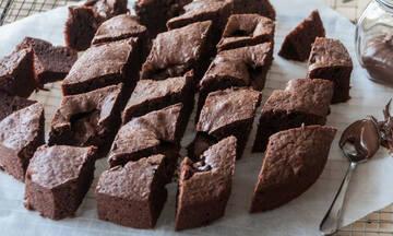 Brownies με διπλή σοκολάτα - Λαχταριστό γλυκό για όλη την οικογένεια