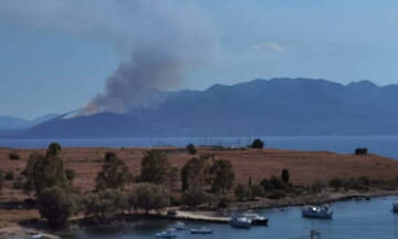 Φωτιά ΤΩΡΑ στα Μέθανα - Εντολή εκκένωσης του οικισμού της Κυψέλης