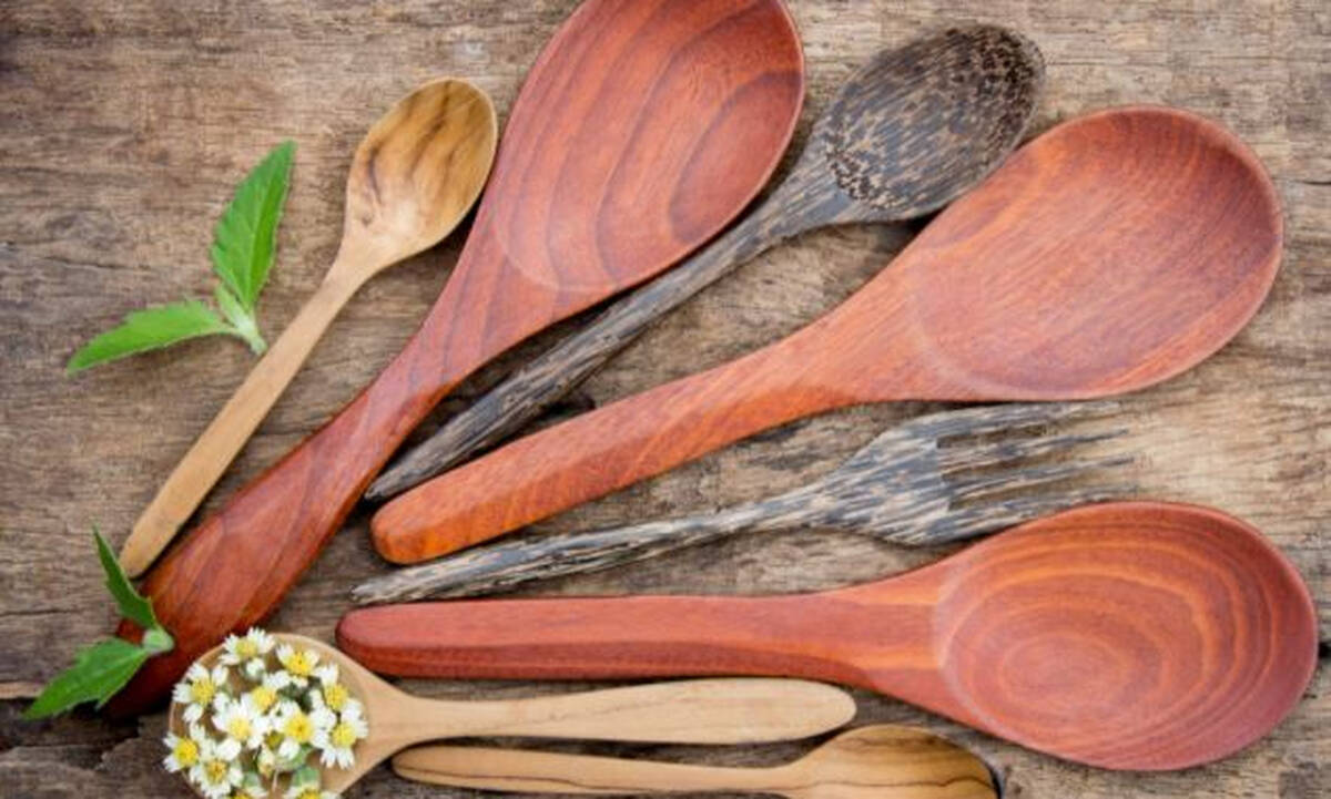 Tips για μαμάδες: Πώς να καθαρίσετε τις ξύλινες κουτάλες  χωρίς να φθαρούν