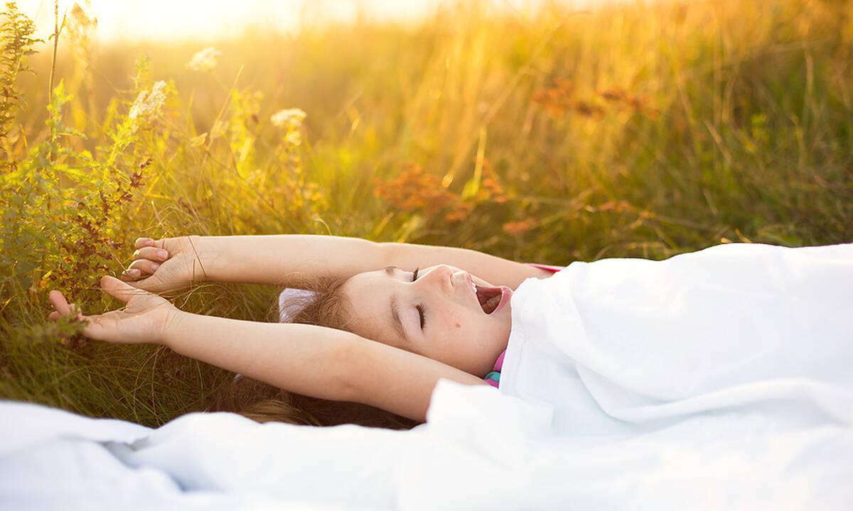 Πρέπει το παιδί να έχει σταθερό πρόγραμμα ύπνου το καλοκαίρι;