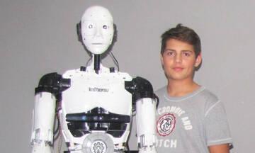 Δημήτρης Χατζής: Το «παιδί-θαύμα» που στην εφηβεία του έφτιαξε 3D εκτυπωτή και ανθρωπoειδές ρομπότ