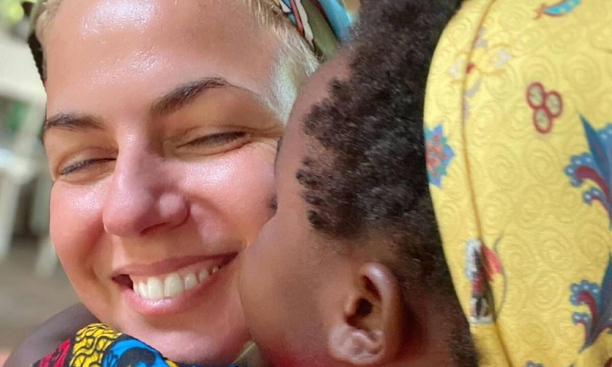 Χριστίνα Κοντοβά: Οι φώτο που έχει δημοσιεύσει από την Ουγκάντα με την Ada