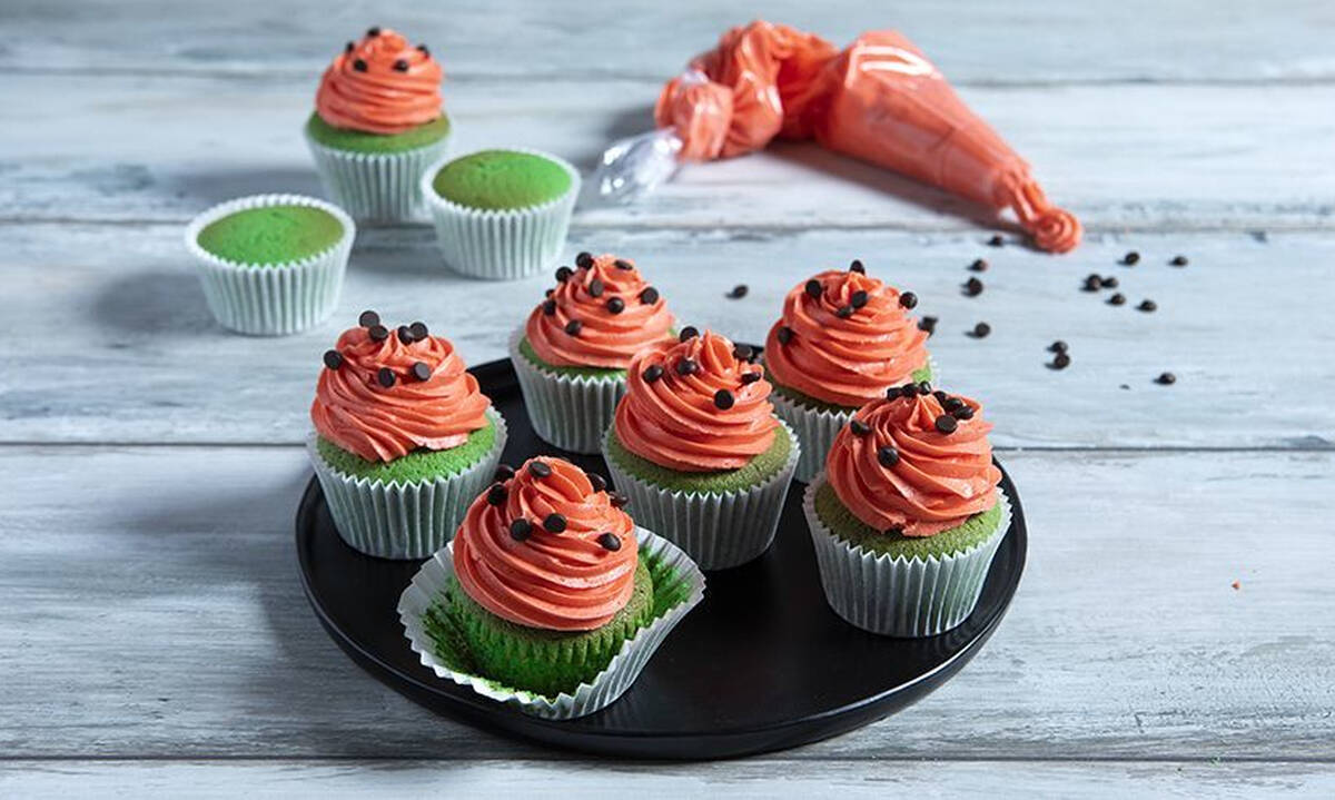 Μπουφές για παιδικό πάρτι το καλοκαίρι: Φτιάξτε cupcakes καρπούζι