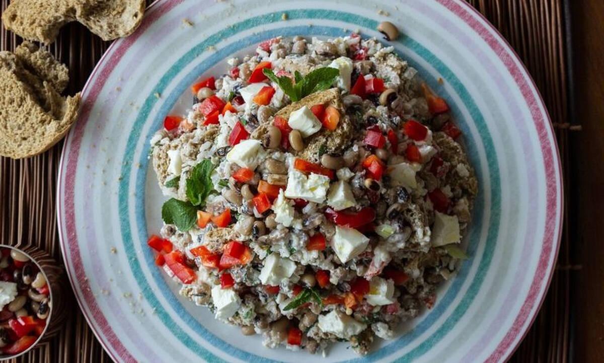Σαλάτα με μαυρομάτικα φασόλια και ρύζι - Απολαύστε την και ως κυρίως γεύμα