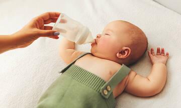 Διατροφή βρέφους : Πρακτικές συμβουλές για μαμάδες που δίνουν γάλα σε σκόνη