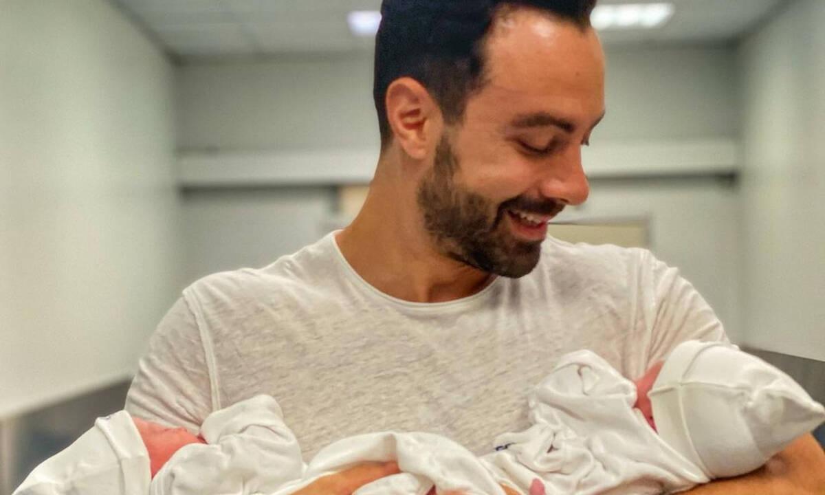 Σάκης Τανιμανίδης: Ανάμεσα σε μπιμπερό και πάνες - Η ξεκαρδιστική ανάρτηση